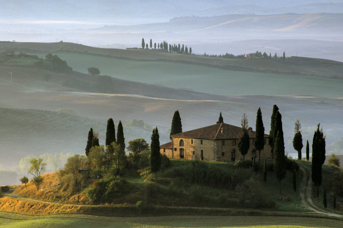 Beautiful misty scene in Tuscany in Italy, a photography paradise.
